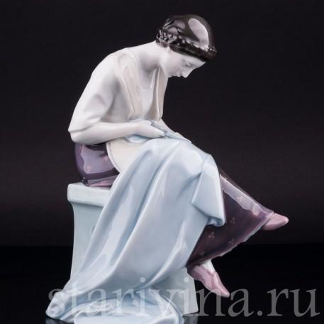 Фарфорвая статуэтка Портниха, Heubach, Германия, нач. 20 в.